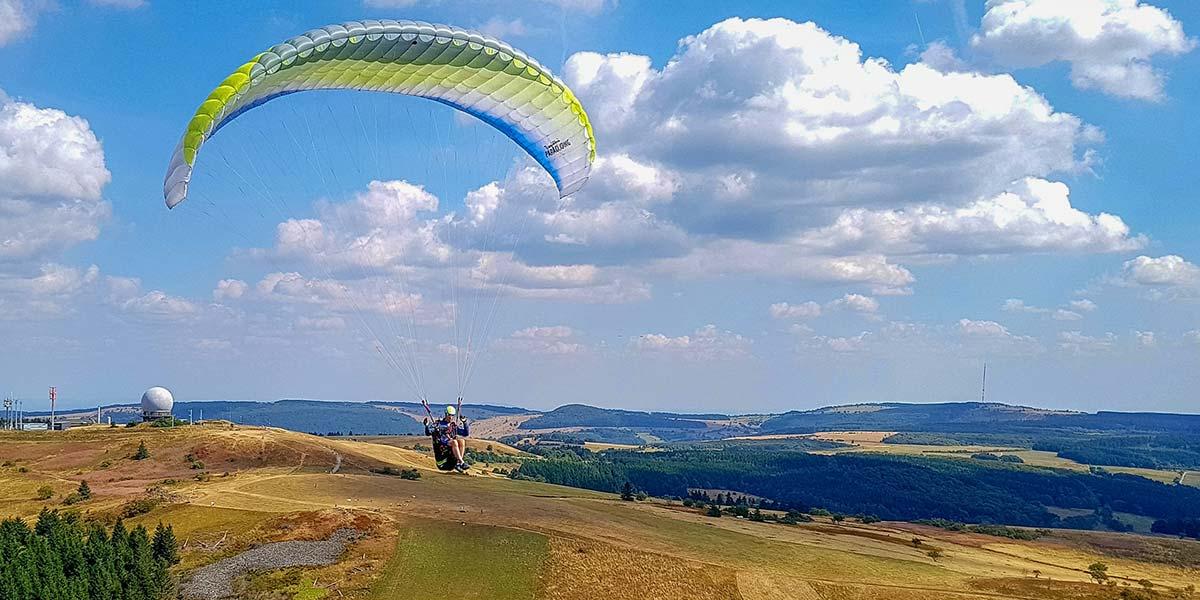 Gleitschirmfliegen mit Papillon Paragliding Wasserkuppe